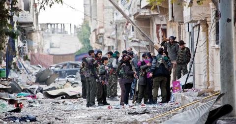 YPG-soldater i Kobane. Bild: Jake Simkin/AP/TT