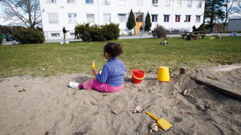"""""""Barn på flykt behöver, och har rätt till, att få landa tryggt och att bli väl mottagna i ett säkert land,"""" skriver Margareta Stenström, ordförande i Rädda Barnen  lokalförening i Örebro.  Bild: Heiko Junge/NTB Scanpix/TT"""