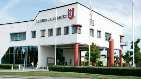 """""""Misslyckas vi med bostadsförsörjningen för studenter finns stora risker att framtida lärare, socionomer eller läkare väljer bort Örebro"""", skriver Murad Artin.  Bild: Wikimedia"""