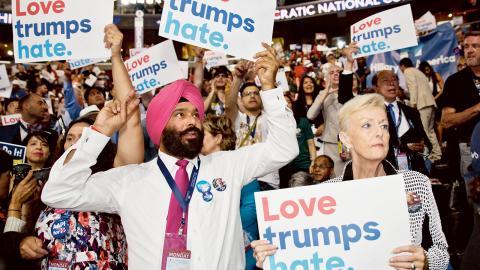 Hillary Clinton valdes till presidentkandidat i tisdags. Många som stöttade Bernie Sanders visade sin besvikelse. Bild: Jonas Cullberg