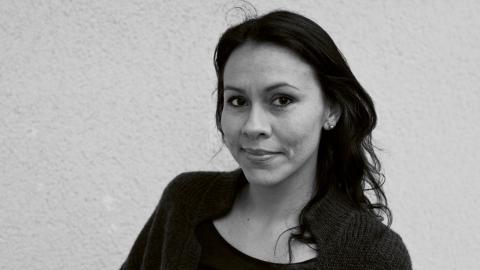 Många saker står i vägen för nyanlända konstnärer, menar Macarena Dusant. Bild: Erika Helin & Malin Ekman