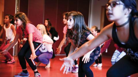 En gång om året är det uppvisning och de  har nu sju månader på sig att lära sig hela programmet. Bild: Monica Hansson