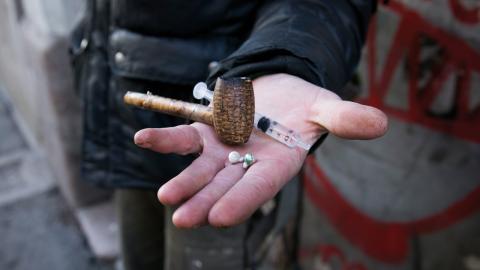 Genomsnittet för narkotikarelaterader dödsfall inom EU under 2014 uppskattades ligga på 18,3 per miljon invånare. Motsvarande siffra för Sverige var 93 dödsfall per miljon invånare.  Bild: Heiko Junge/TT