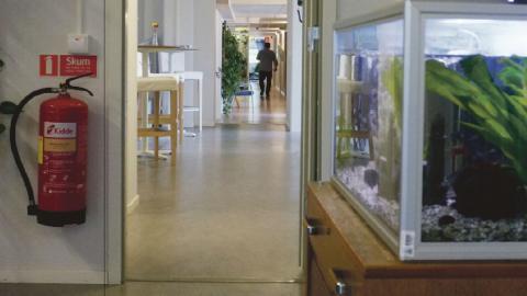"""IVO vill lägga ner Norrköpings kommuns """"öppen ingång"""" där bland andra missbrukare kan få vård direkt utan långa väntetider. Nu kallar kommunen in vittnen till rättegångsförhandlingarna för att rädda projektet.   Bild: Åke Lindgren"""