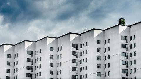 """""""Nyproducerade och renoverade lägenheter har i dag så höga hyresnivåer att lägenheterna blir oåtkomliga för den stora gruppen bostadssökande"""", skriver debattörerna.  Bild: Tomas Oneborg/SvD/TT"""