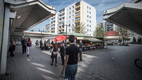 """""""Bostadssegregationen och gentrifieringen ökar när allt fler låginkomsttagare tvingas flytta från sina hem"""", skriver debattörerna. Bild: Staffan Löwstedt/SvD/TT"""