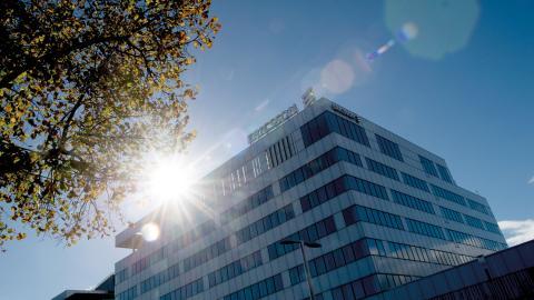Runt 3000 personer kommer att varslas från Ericsson i Kista.  Bild: Maja Suslin/TT