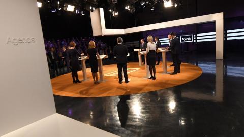 """""""Debatten var skrikig och visionslös och ändå aldrig särskilt konkret. För det mesta verkade det viktigare att peka ut fel hos motståndaren än att komma fram med några egna förslag"""", skriver Richard Olsson.  Bild: Fredrik Strandberg/TT"""
