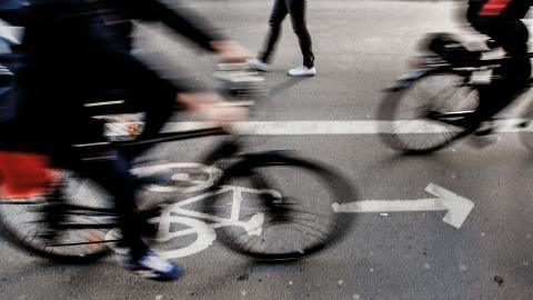 """""""Örebro kommun arbetar ständigt för att förbättra tillgängligheten för fotgängare och cyklister"""", skriver Björn Sundin, kommunalråd (S).  Bild: Tomas Oneborg/SvD/TT"""