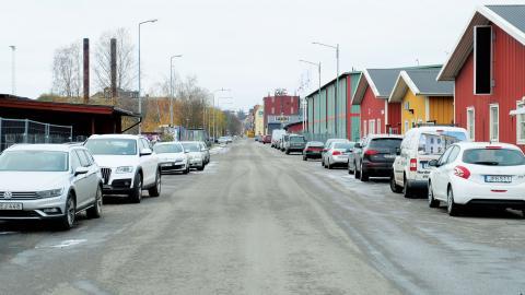 Utmed Saltängsgatan ligger i dag mängder av småindustri. Nu måste verksamheterna flytta.  Bild: Åke Lindgren
