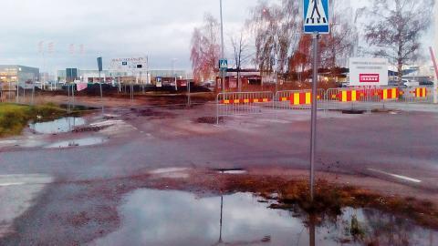 """""""Kommunen bör friköpa den mark som behövs för att bygga ordentliga gång- och cykelbanor"""", skriver Mona Neumann. Bild: Privat"""