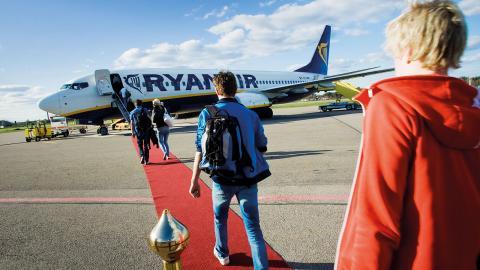 Under 2016 reste totalt 99 609 personer till eller från Norrköpings flygplats och i snitt landade 15 flygplan om dagen. Samtliga flyglinjer är charter – undantaget turerna till München och under sommarsäsongen till Visby.   Bild: TT/Press