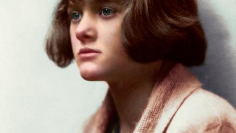 """""""du Maurier är en skicklig gotisk romanförfattare som är värd att återupptäcka. Men det är i novellerna som hon visar sitt verkliga mästerskap"""", skriver Rasmus Landström. Bild Ruth Bartlett/Modernista"""