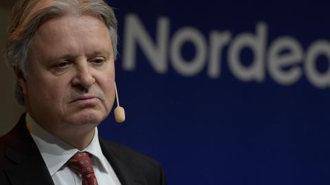 """Nordeas vd Casper von Koskull. """"Bankerna spekulerar vilt med våra pengar i tron att de är för stora för att tillåtas gå under. Jag säger bara: Testa oss!"""" , skriver Mats Leijon. Bild: Janerik Henriksson/TT"""