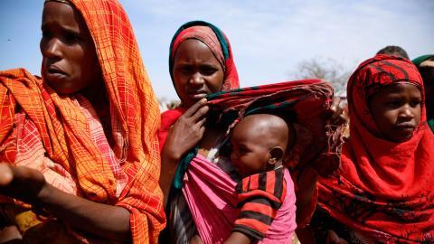 Svältkatastrofer orsakas av människor. Men det betyder också att människor kan stoppa dem. Bild: Khaled Kazziha/AP/TT