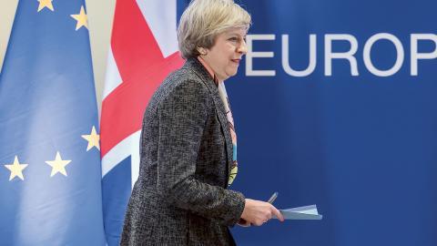 Nästa vecka ska Storbritanniens premiärminister Theresa May aktivera artikel 50. Bild: Geert Vanden Wijngaert/AP/TT