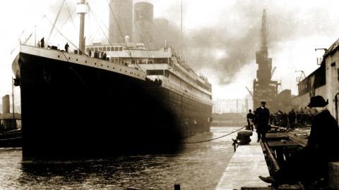 Utställningen Titanic – The Exhibition rymmer uppbyggda miljöer från fartyget och originalföremål som har lånats in från samlare över hela världen. Nu kommer den till Örebro.  Bild: S/V © Claes-Göran Wetterholm, Färg © Musealia
