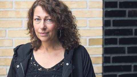 Förutom att vara aktuell som ordförande i Svenska PEN jobbar Elisabeth Åsbrink med en ny bok och manuset till en pjäs. Bild: Vilhelm Stokstad/TT