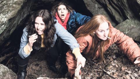 Amanda Apetrea, Nadja Hjorton och Lisen Rosell, som står för koncept, idé och skådespeleri. Bild: Chrisander Brun