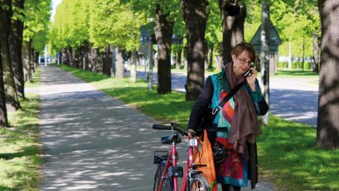 Cykelbanornas beläggning och skyltning är  på väg att ses över i Norrköping, ett led  i att göra dem säkrare och få fler att cykla.  Bild: Lisa Karlsson