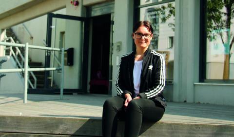 """""""Vi vill göra det möjligt för människor från olika delar av samhället att mötas och prata med varandra"""", säger Tereza Franzén, senior projektledare för den ideella föreningen Stpln. Festivalen Håll –  Sustainability by design startar den 1 juni. Bild: Jenny Wickberg"""