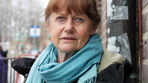 """Gunilla Sambergs konst har ofta en politisk ingång, men hon vill inte kalla sig för aktivist: """" Jag är angelägen om att befinna mig inom konstfältet – konsten är ödmjuk, ställer frågor. Jag vill skapa insikt, inte omedelbar förändring.""""  Bild: Catharina Bergman"""