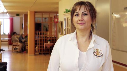 Lidija Vuletic är ansvarig för teamet för palliativ vård i Norrköping. Målet är att göra patienters sista tid i livet så bra som möjligt.  Bild: Lisa Karlsson