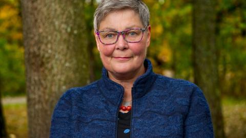 Maria Hamberg har först och främst skrivit en roman om en vänskapsrelation.  Bild: Jan-Åke Eriksson
