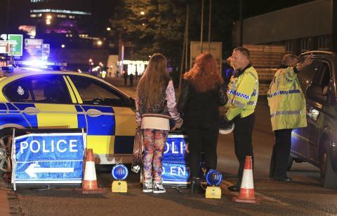Ett misstänkt terrordåd har inträffat i Manchester, Storbritannien. Bild: Peter Byrne/AP/TT