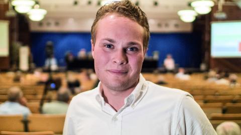 """Adrian Ericson lämnar politiken för att koncentrera sig på studier. """"Jag vill göra saker helhjärtat"""", säger han.  Bild: Daniel Johansson"""
