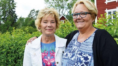 Landshövding Maria Larsson och kommunalrådet Irja Gustavsson (S) kunde inte annat göra än att hålla med om att det är brist på lägenheter för äldre. Bild: Rolf Larsson