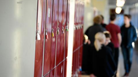 Den som kritiserar privata skolförsäkringar har fel fokus, skriver debattören.  Bild: Pontus Lundahl/TT