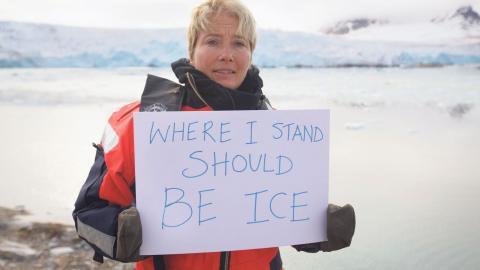 Tillsammans med skådespelaren Emma Thompson, som är en aktiv miljökämpe, uppmanar Greenpeace människor att skriva under en namninsamling för att stoppa provborrningarna i Arktis och Barents hav. Hittills har 200000 namn samlats in. Bild: Greenpeace