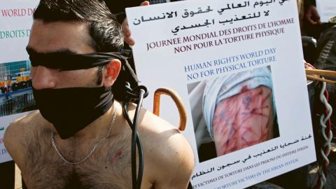 Protest mot den syriska regimens systematiska användande av tortyr mot oppositionella.  Bild: Bilal Hussein/AP/TT