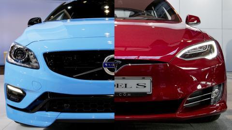 Volvo V60 Polestar / Tesla Model S. Bild: Nam Y. Huh/AP/TT / Adam Ihse/TT