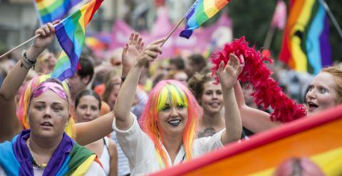 Västerås Pride hjälper till att öppna upp samhället och skapa utrymme för mer mångfald, skriver debattören. BILD: Erik Nylander/TT