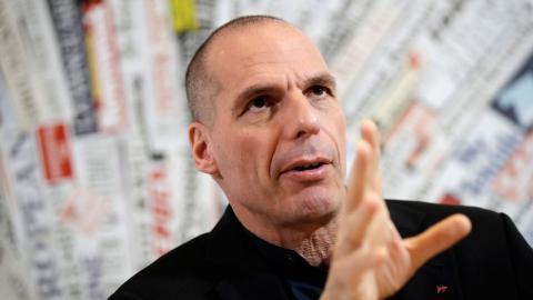 Yanis Varoufakis är en av de drivande  krafterna bakom den europeiska demokrati-rörelsen DiEM25 som vill demokratisera EU. Bild: Alessandra Tarantino/AP/TT