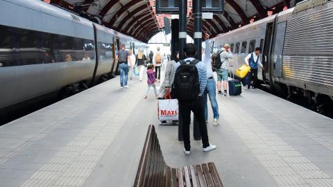 Under 1970-talet ökade bilismen och SJ genomförde därför en stor avveckling av tågtrafiken. I dag är tågresandet på uppgång igen.