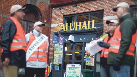 I mitten av 00-talet gjordes många fackliga satsningar mot arbetsgivare som saknade kollektivavtal inom restaurangbranschen, bland annat sattes en blockad mot restaurangen Wild'n Fresh i Göteborg år 2006.  Bild: Björn Larsson Rosvall/SCANPIX