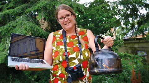 Genom datorn kan en kaffekanna lånas och vips så har skogsupplevelsen förgyllts med kaffe kokat över öppen eld. Bild: Amar Bajric