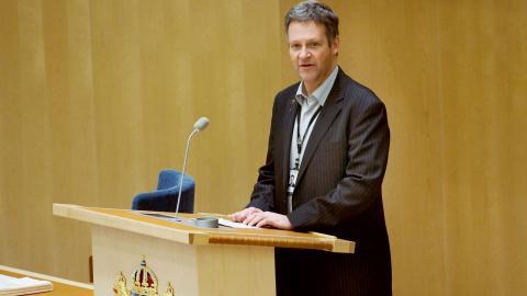 """""""Forskarna ställer upp hypoteser, men de tycker att politikerna har för bråttom – även de som är övertygade om att människan orsakar klimatförändringarna"""", säger Moderaternas riksdagsman Jan Ericson. Bild: Mikael Andersson/TT"""