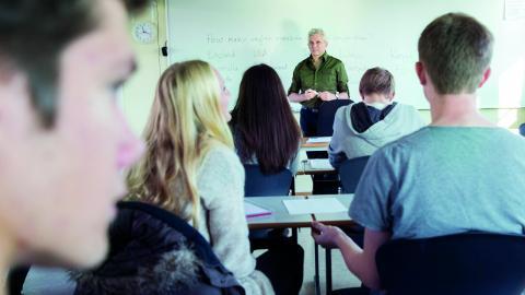 """""""Vi behöver stora satsningar på fler anställda och högre kvalitet inom välfärdssektorn – skola, vård och omsorg. Detta skapar fler arbetstillfällen.""""  Bild:  Berit Roald/NTB/TT"""