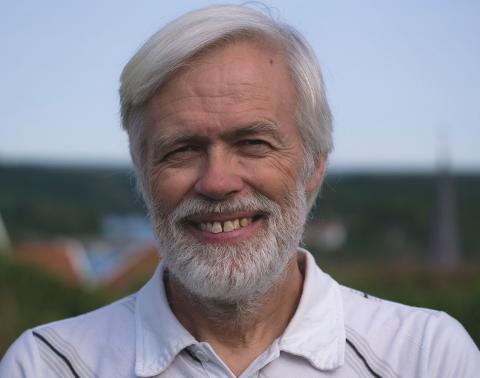 Forskaren Matz Berggren får in allt fler rapporter om att blåskrabbor och penselkrabbor siktats längs västkusten. Bild: Kajsa Sjölander