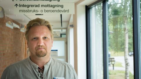 En stor del av det ökade trycket på beroendekliniken utgörs av ungdomar, berättar vårdenhetschefen Jesper Zandén. Bild: Johan Ekfeldt