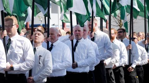 Nazistiska Nordiska motståndsrörelsen demonstrerar i Falun på första maj i år.