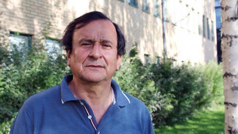 Jose Gamboa arbetade som lärare men tvingades fly till Sverige 1993. Idag är han lektor vid institutionen för språkstudier vid Umeå universitet, men fortfarande engagerad i den politiska kampen för sitt hemland.  Bild: Liselott Holm