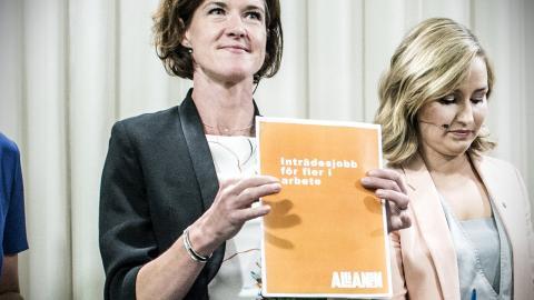 """Alliansens partiledare vid en pressträf tidigare i veckan där de presenterade ett nytt förslag med """"inträdesjobb"""" för unga och nyanlända. Bild: Lars Pehrson/SvD/TT"""