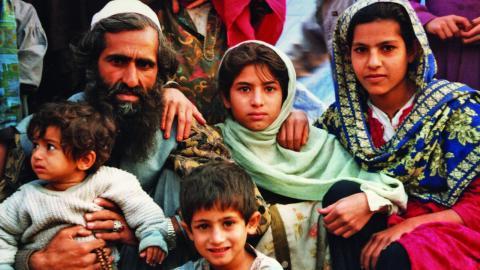Afghaner i ett flyktingläger i grannlandet Pakistan. Bild: Åke Johansson