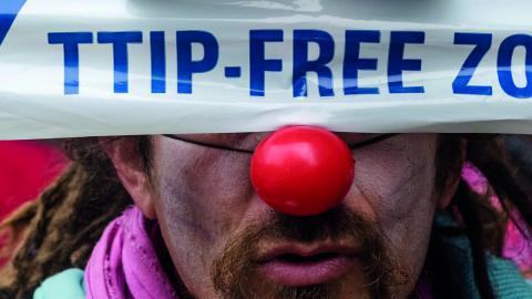 Belgiska protester mot frihandelsavtalet förra året. Bild: Geert Vanden Wijngaert/AP/TT