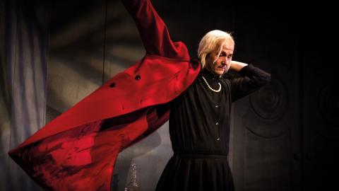 """Anders Hambraeus gör rollen som Charlotte von Mahlsdorf. """"Jag har aldrig gjort en monolog på det här viset förut och har heller aldrig längtat efter det.  Bild: Daniel Andersson"""